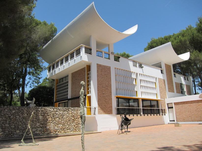 Restaurer les œuvres de Joan Miro – Fondation Marguerite et Aimé Maeght
