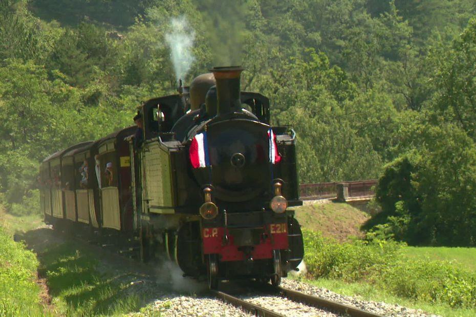 Remise en service d'une locomotive à vapeur de 1909